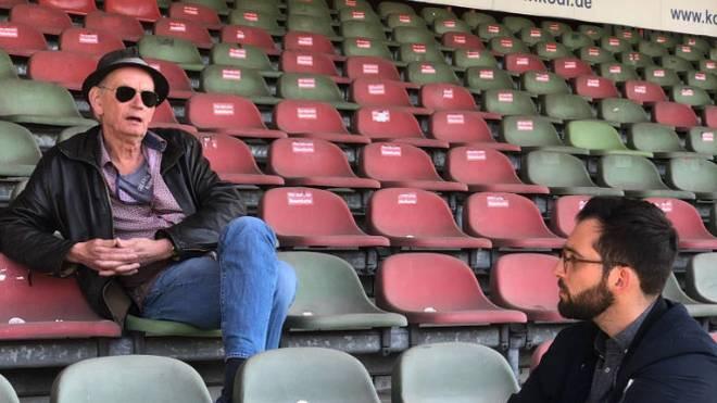 RWO-Präsident Hajo Sommers (o.) sprach mit SPORT1-Chefreporter West Patrick Berger über den positiven sozialen Einfluss des Fußballs