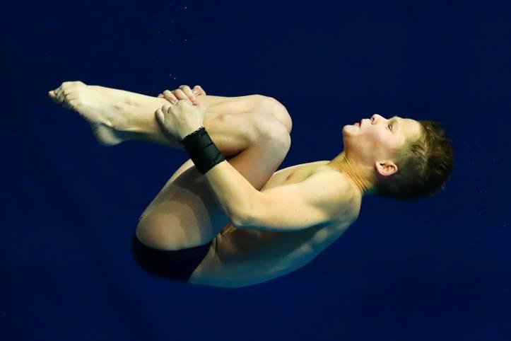 Bei der Wassersprung-EM in Kiew sorgt Oleksij Sereda für Furore. Im Alter von nur 13 Jahren und sieben Monaten gewinnt der Ukrainer den Titel vom 10 Meter-Turm - damit ist jüngste Europameister aller Zeiten. Zudem gewinnt er Silber im Synchron-Springen