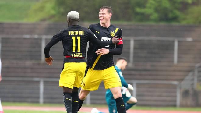 Kapitän Steffen Tigges (r.) ist der Top-Torschütze des BVB in der Regionalliga West