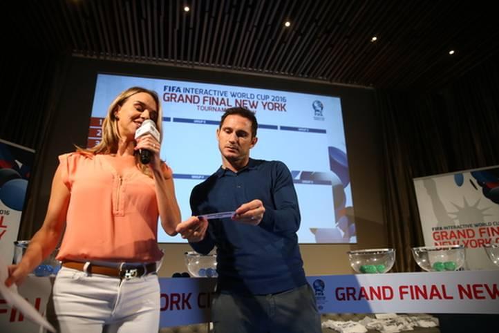 Besondere Losfee: Frank Lampard übernahm die Auslosung der Matches