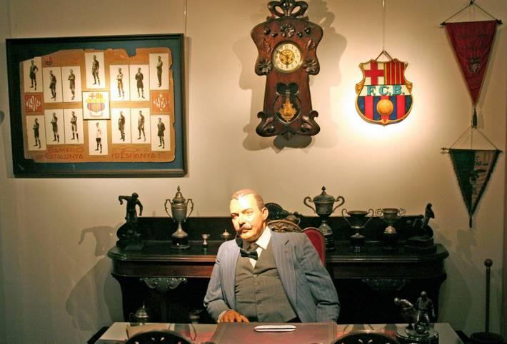 Der FC Barcelona feierte 2019 seinen 120. Geburtstag. Nachdem der Klub am 29. November 1899 vom Schweizer Hans Gamper gegründet wurde, bestritt er am 8. Dezember 1899 sein erstes Spiel im Velodromo de la Bonanova.