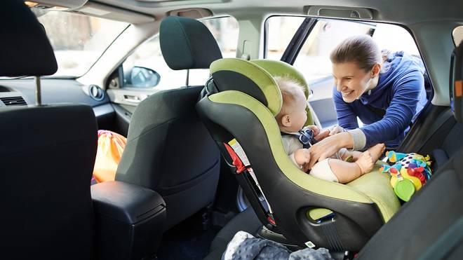Bei der Auswahl des richtigen Kindersitzes muss viel beachtet werden