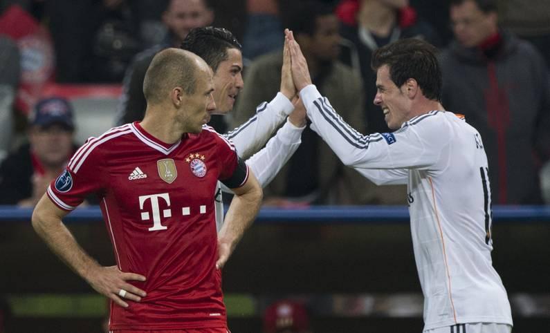 Solche Bilder wollen die Fans des FC Bayern nicht mehr sehen. 2014 erleben die Münchner im Halbfinale der Champions League ein Debakel. Real Madrid gewinnt die Spiele 1:0 und 4:0. Arjen Robben wirft einen neidischen Blick auf die jubelnden Gegner, die sich später den Titel sichern