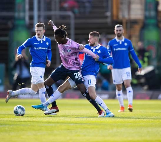"""Diese Statistik überrascht: Der Hamburger SV gehört in dieser Saison zu den fairsten Teams Europas. Eine Studie von """"CIES Football Observatory"""" hat insgesamt 35 europäische Ligen mit über 700 Klubs bezüglich ihrer Foul-Statistik untersucht"""