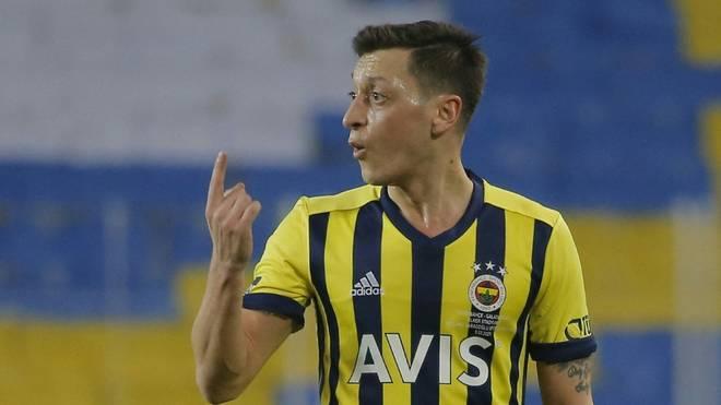 Mesut Özil stand erstmals in der Startelf