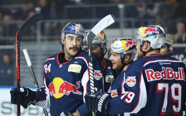 Trevor Parkes (links) traf zweimal für Red Bull München