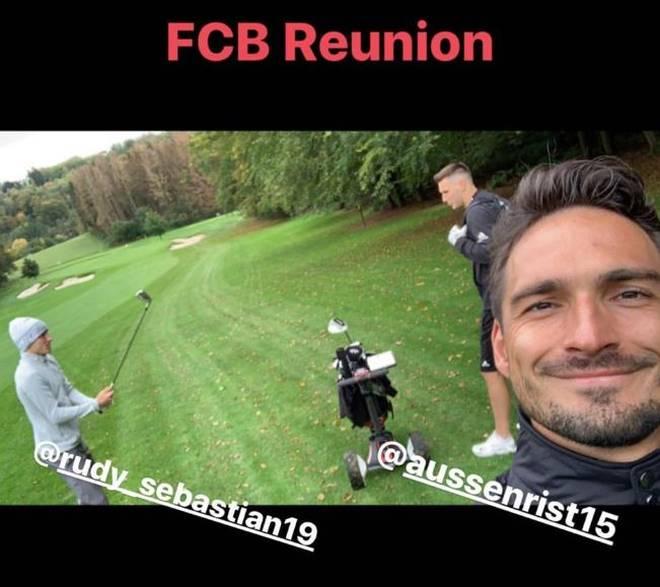 Niklas Süle, Mats Hummels und Sebsastian Rudy spielten eine Runde Golf zusammen
