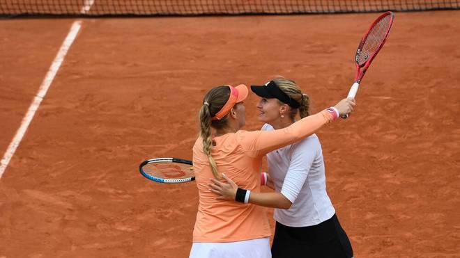 Kristina Mladenovic (r.) und Timea Babos gewannen im Doppel die French Open 2020