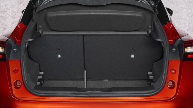 Der Kofferraum fasst nun 422 bis 1088 Liter. Eine breitere Klappe erleichtert das Ein- und Ausladen