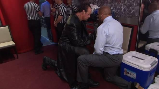 Triple H (r.) fand die richtigen Worte für den Undertaker