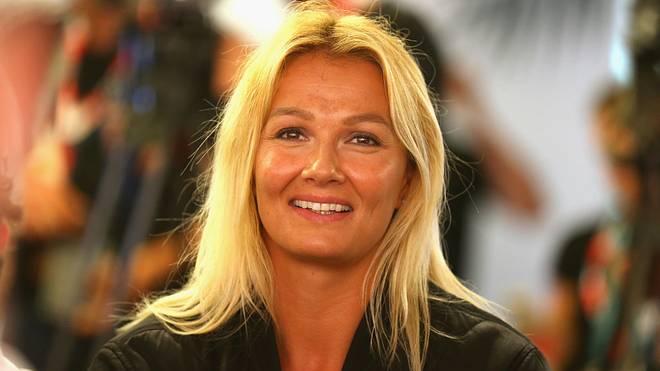 Franziska van Almsick wird mit der Goldenen Sportpyramide ausgezeichnet