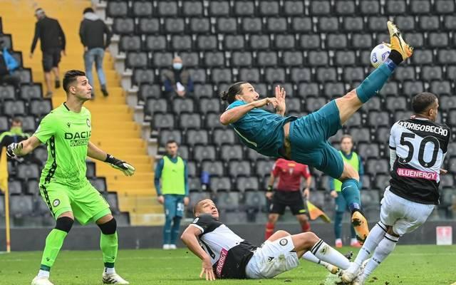Zlatan Ibrahimovic trifft per Fallrückzieher zum Sieg