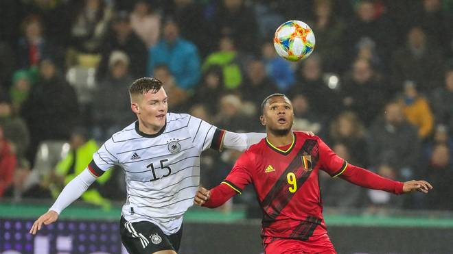 Luca Kilian (l.) spielte bislang für den SC Paderborn