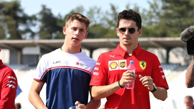 Arthur Leclerc (l.) wird seinem Bruder Charles Leclerc zu Ferrari folgen
