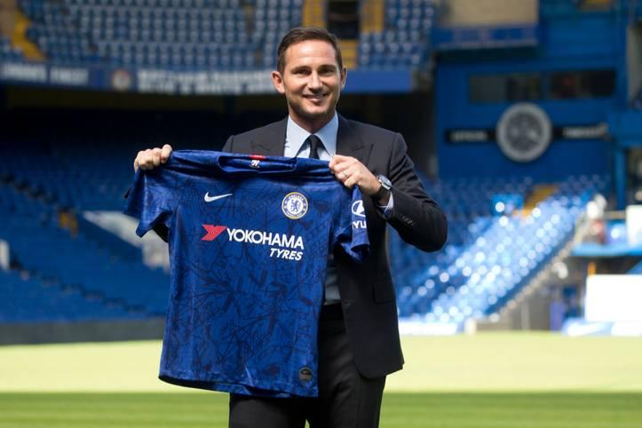 Er ist wieder da! Klub-Legende Frank Lampard kehrt zum FC Chelsea zurück und beerbt Maurizio Sarri an der Seitenlinie. Die Fans freuen sich. Der einstige Weltklasse-Spieler trägt eine blaue DNA. SPORT1 blickt auf seine Karriere