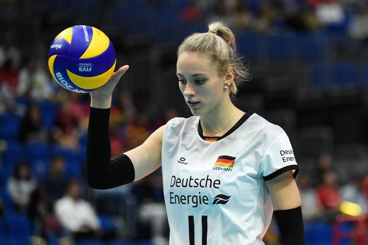 Mit Louisa Lippmann (im Bild) hat sich der derzeit größte deutsche Volleyball-Star zwar aus der Bundesliga verabschiedet und dem italienischen Top-Team aus Florenz angeschlossen.