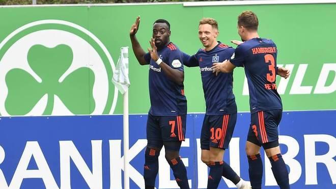 Khaled Narey (links) erzielte an alter Wirkungsstätte den HSV-Siegtreffer