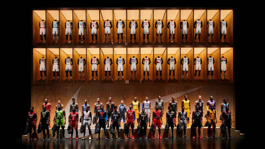 Bei einer großen Präsentation in Los Angeles werden alle neuen NBA-Trikots vorgestellt - ein ziemlich bunter Haufen