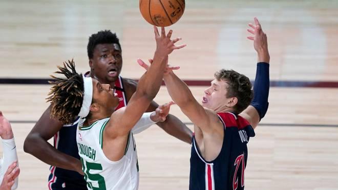 Moritz Wagner (r.) gelangen sieben Punkte gegen die Celtics