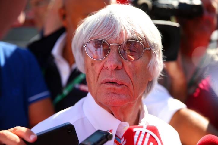 Er ist eigentlich nicht wegzudenken aus dem großen Rennzirkus: Seit mehr als einem halben Jahrhundert prägt Bernie Ecclestone die Formel 1. Nun ist die Ära beendet. Der 86-jährige Zampano wird als Formel-1-Geschäftsführer abgesetzt. SPORT1 blickt auf die Karriere des Bernie Ecclestone zurück