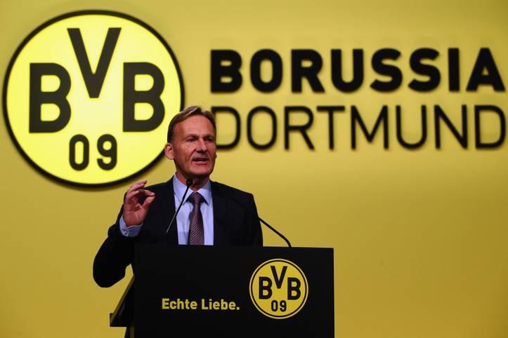Hans-Joachim Watzke feiert am 21. Juni seinen 60. Geburtstag. Der Macher des heutigen Borussia Dortmund blickt auf eine Zeit voller Höhen und Tiefen zurück. Als Geschäftsführer des BVB formte er den Verein im neuen Jahrtausend zu einem der größten Klubs der Welt