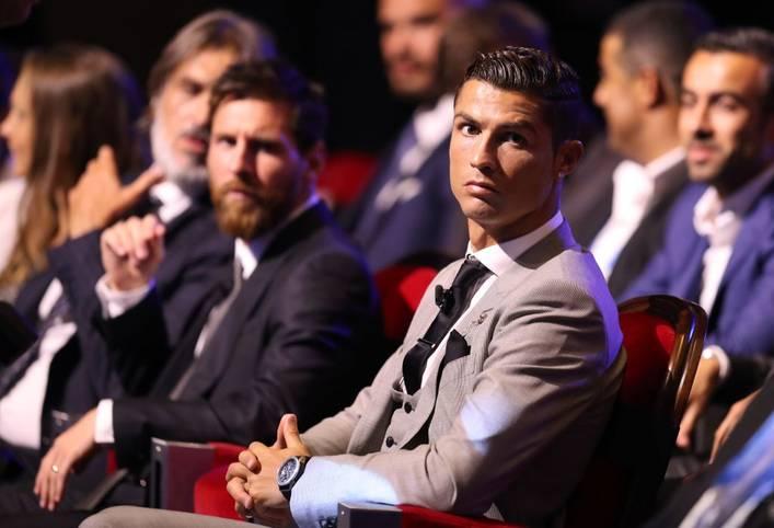 Lionel Messi (l.) und Cristiano Ronaldo sind die Superstars unserer Zeit. Im Fernduell liefern sie sich ein enges Duell um den Titel des besten Fußballers. Auch in der Champions League haben die beiden Ausnahmekönner ihre Qualitäten schon beeindruckend unter Beweis gestellt