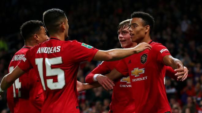 Manchester United zittert sich im League Cup weiter