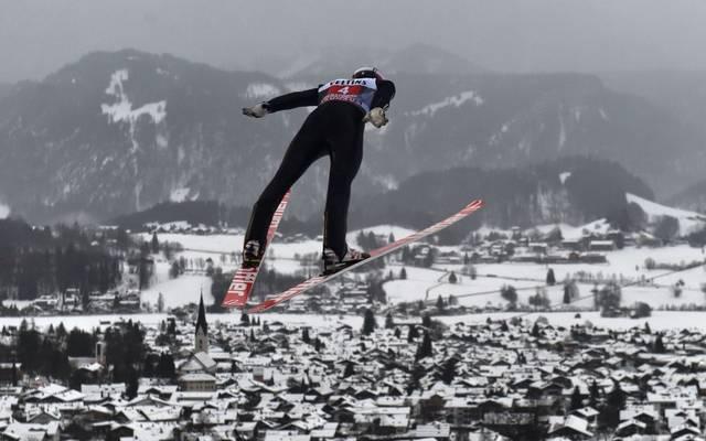 Die Wettkämpfe in Oberstdorf sollen mit vollbesetzten Zuschauerrängen stattfinden