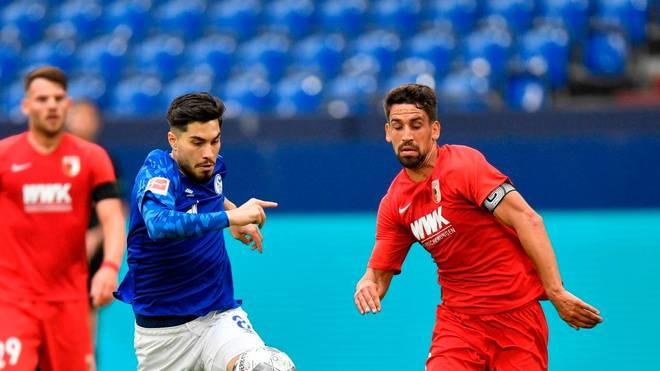 Suat Serdar (M.) hat sich gegen den FC Augsburg verletzt