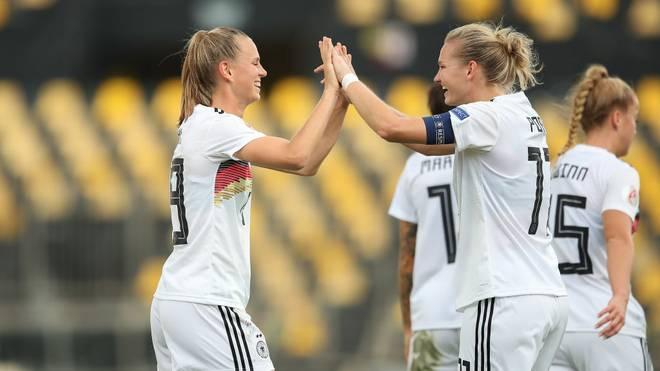 Torschützen unter sich: Klara Bühl (li.) und Alexandra Popp waren gegen Griechenland erfolgreich