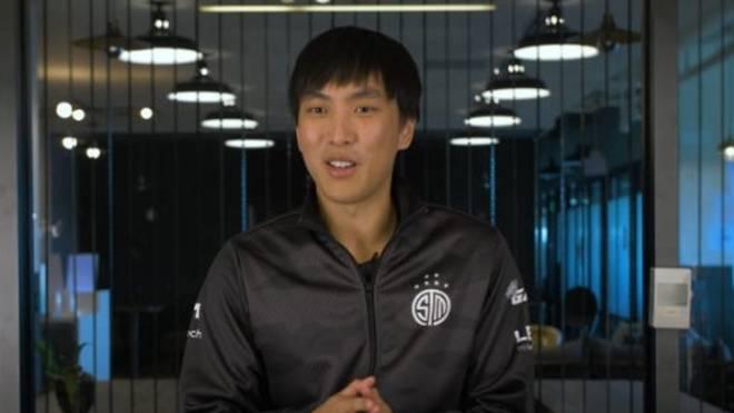 """Yiliang """"Doublelift"""" Peng wechselt zurück zu Team SoloMid."""