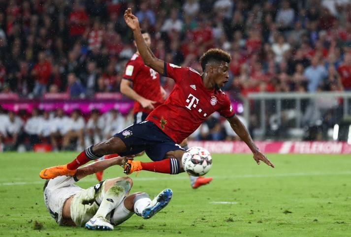 """Zu Beginn der Saison ist die Wut beim FC Bayern groß. Nach bösen Fouls fallen Kingsley Coman (Foto) und Rafinha lange verletzt aus. Schnell stellt sich die Frage, ob die Bundesliga Jagd auf die Bayern mache. Trainer Niko Kovac äußert gar das """"Gefühl, dass wir Freiwild sind"""""""