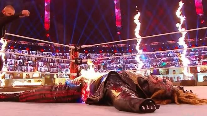 Als Randy Orton das Streichholz wirft, ist anstelle des Fiend eine Puppe zu sehen