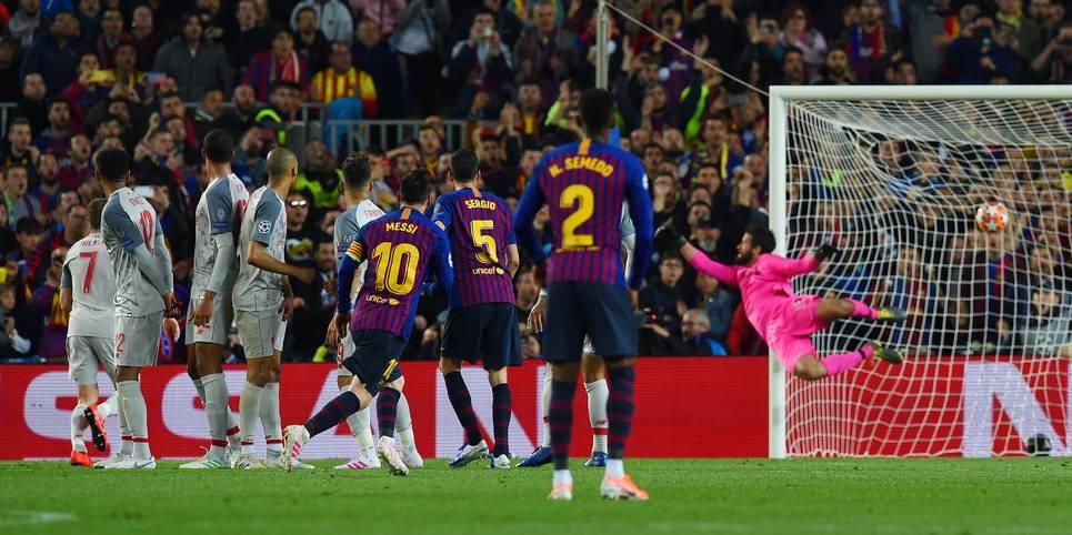 Lionel Messi gelingt der nächste Meilenstein seiner Karriere: Im Champions-League-Halbfinale gegen den FC Liverpool gelingt ihm sein 600. Treffer für den FC Barcelona - und was für einer! Zum 3:0-Endstand trifft er per direktem Freistoß