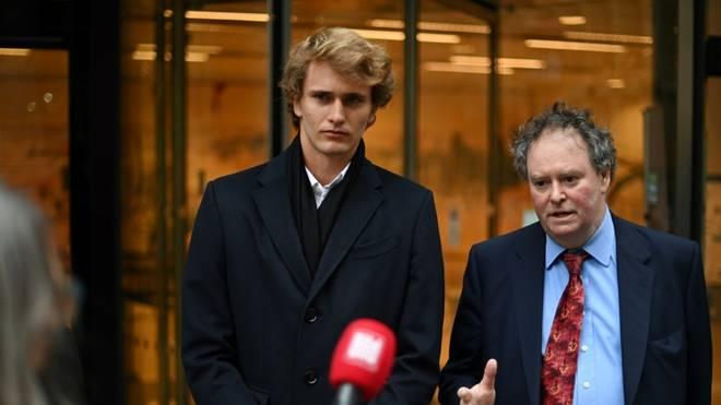 Alexander Zverev (l.) mit seinem Anwalt Mark Stephens