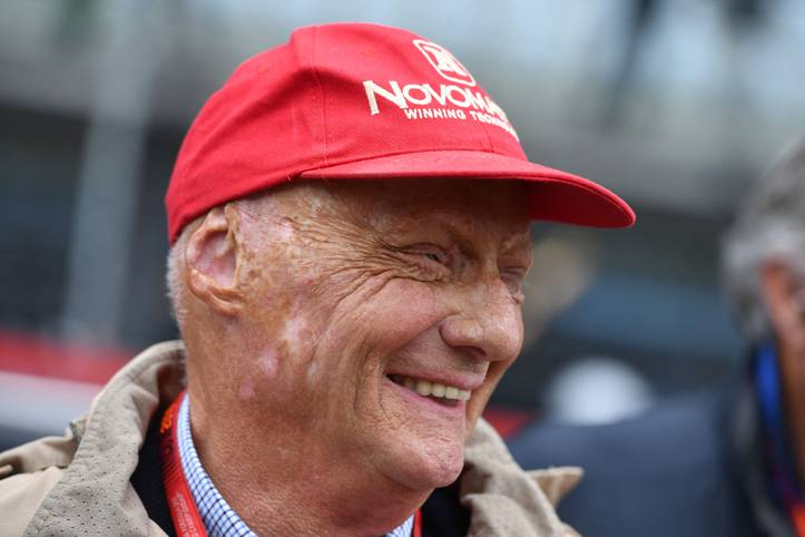 Der Motorsport verliert mit Niki Lauda nicht nur einen der herausragenden Fahrer der Geschichte, sondern auch einen besonderen Menschen. Der dreimalige Weltmeister war auch für seinen Humor und markante Aussagen bekannt. SPORT1 zeigt Laudas Sprüche, die auch nach seinem Tod in Erinnerung bleiben werden
