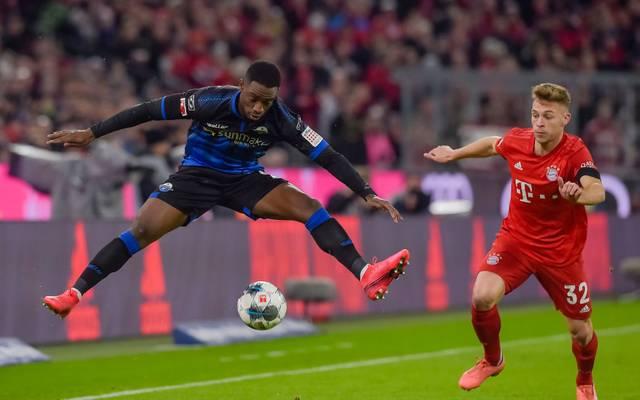 Joshua Kimmich (re.) ist angetan von der Spielweise des SC Paderborn