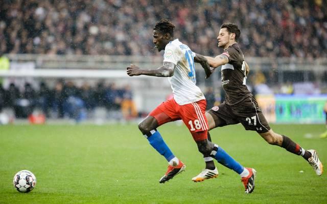 Beim letzten Aufeinandertreffen der Hamburger Klubs gewann Bakery Jatta (l.) mit dem HSV mit 4:0