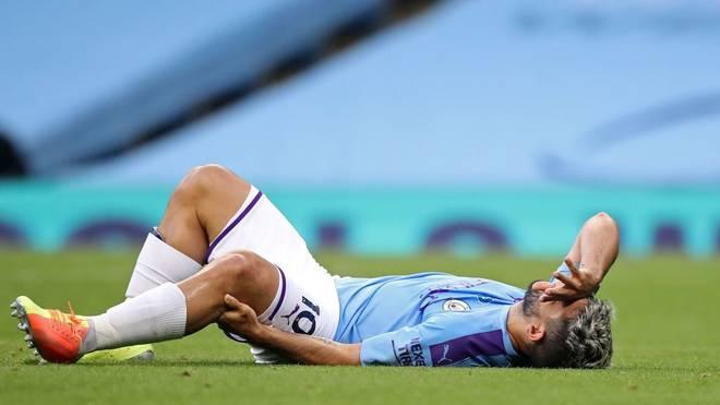 Sergio Aguero hat sich offenbar schwer am Knie verletzt