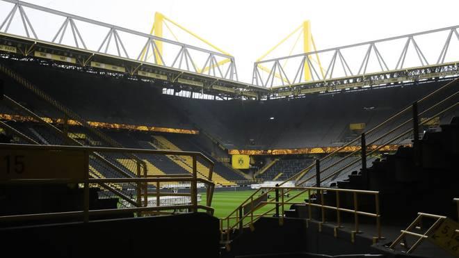 Die Stadien bleiben leer - u.a. in Dortmund wird trotz Corona-Pause trainiert