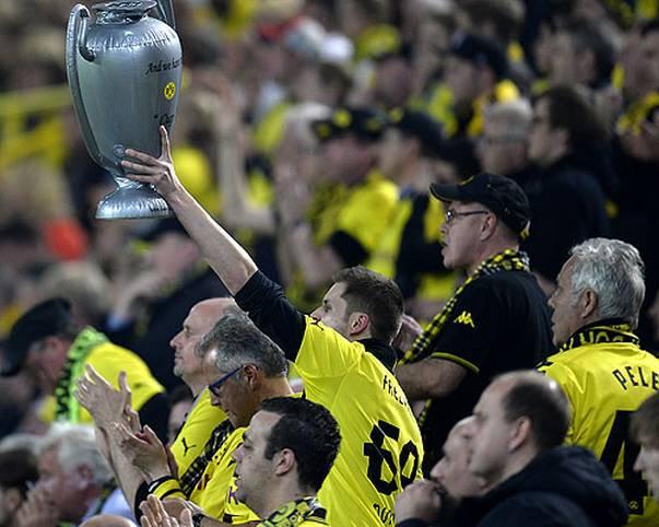 Die Königsklasse ist immer wieder gut für neue Superlative - einen solchen erleben nun die Fans von Borussia Dortmund im Hinspiel bei der 4:1-Hinspiel-Gala gegen Real Madrid. Denn: Als erstem Spieler überhaupt gelingt?