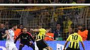 Doch erst noch mal zurück nach Dortmund und Lewandowski: In besonders überragender Manier erzielt der Pole das vorentscheidende 3:1. Mit der Sohle zieht er den Ball um Madrids Pepe herum und hämmert den Ball in die Maschen. Keine Chance für Keeper Diego Lopez