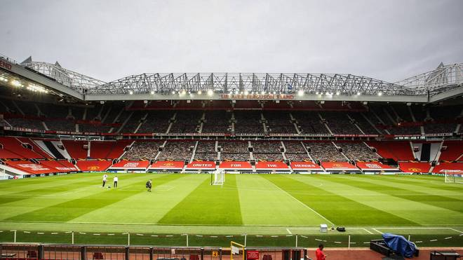 Bei Manchester United werden mehrere Personen positiv getestet