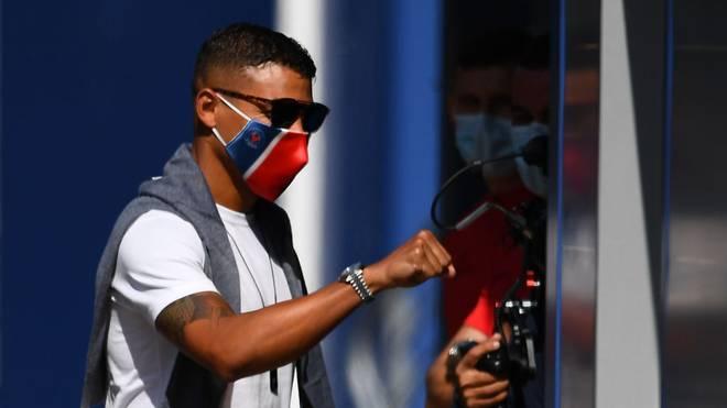 Thiago Silva bleibt noch für ein paar Spiele bei Paris Saint-Germain