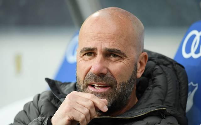 Peter Bosz spricht auf der Pressekonferenz über Gegner Dortmund.