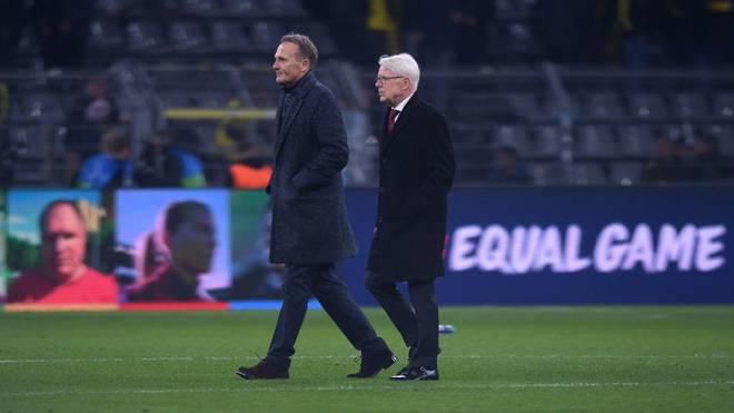 Reinhard Rauball (r.) ist Präsident von Borussia Dortmund