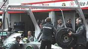 Am Donnerstag wird es ernst für Mercedes. Dann muss sich das Team um Nico Rosberg vor dem International Tribunal des Weltverbandes FIA wegen der Testaffäre verantworten. Den Silberpfeilen und Pirelli wird vorgeworfen, illegal Reifen getestet zu haben. Die Affäre ist aber längst nicht der erste und der größte Skandal in der Formel 1. SPORT1 blickt zurück