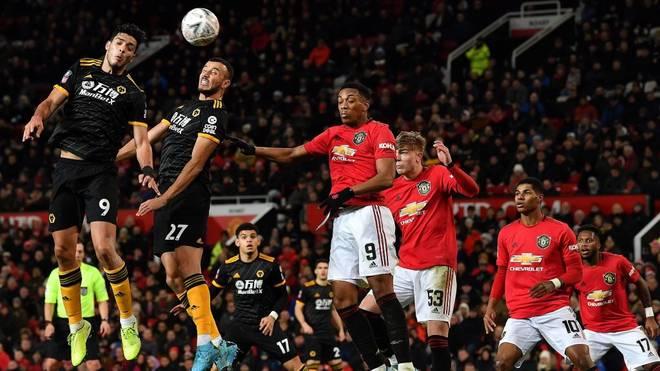 Manchester United muss im FA Cup-Wiederholungspiel gegen die Wolverhampton Wanderers lange zittern