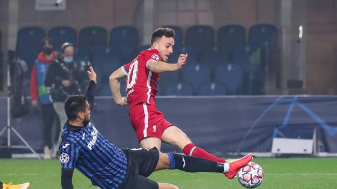 Diogo Jota war von keinem Bergamo-Spieler zu stoppen