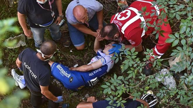 Remco Evenepoel stürzte in Führung liegend zehn Meter in die Tiefe.
